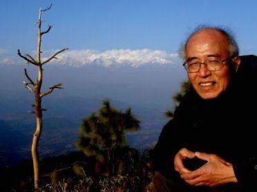 ヒマラヤの峰々を望む